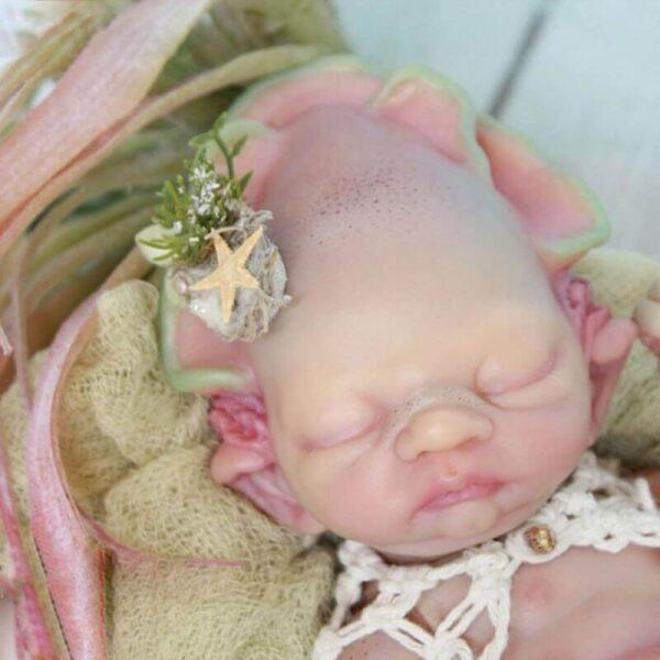 Alien Melinda: Sleeping Newborn Alien Reborn Doll with Tentacles - Kiss Reborn