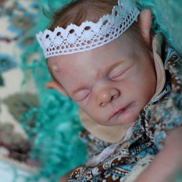 Jimmy: Garland Crown Realistic Sleeping Reborn Baby Boy - Kiss Reborn